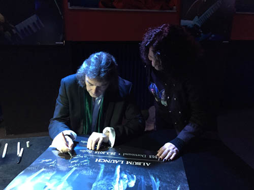 Steve signing at the launch event in Dortmund