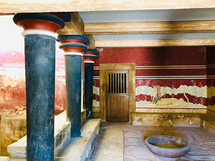 Room for libations in Knossos