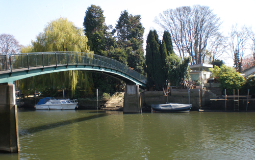 The bridge to Eel Pie