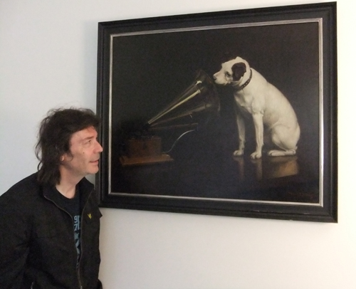 Steve looks at the original His Master's Voice painting