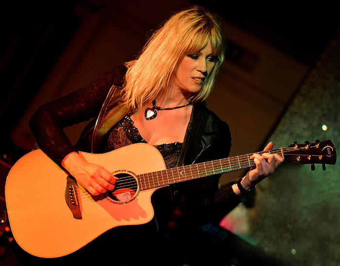 Steve Hackett Acoustic show at Trading Boundaries - Amanda Lehmann