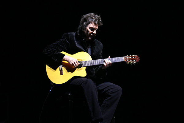 Steve Hackett Acoustic Trio, Orbita Hall, Wroclaw, Poland, April 2011